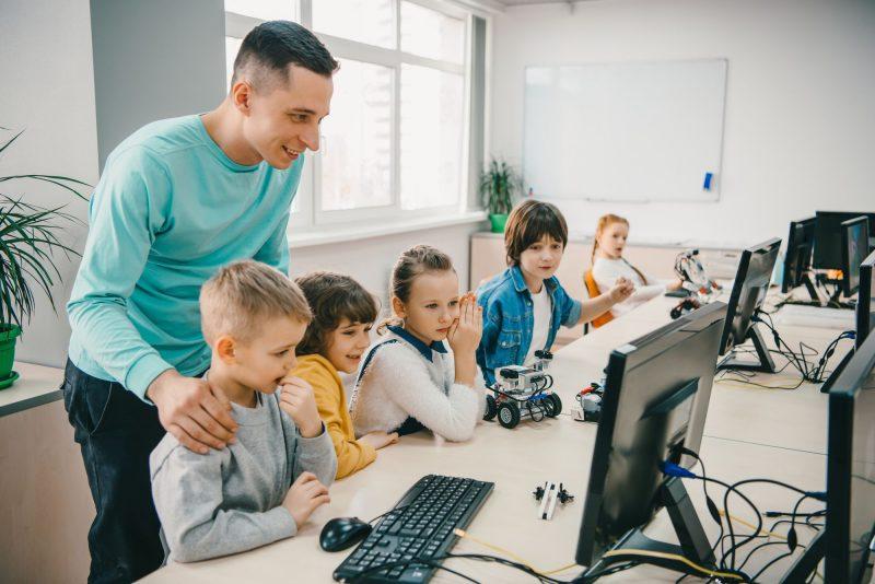 6 passos para implementar a transformação digital na educação